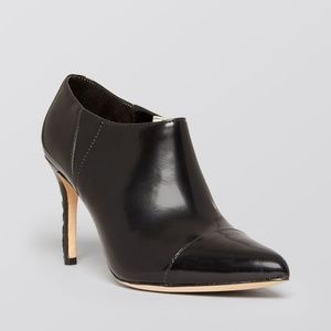 ALICE + OLIVIA BLACK LEATHER POINTED HEELED BOOTIE